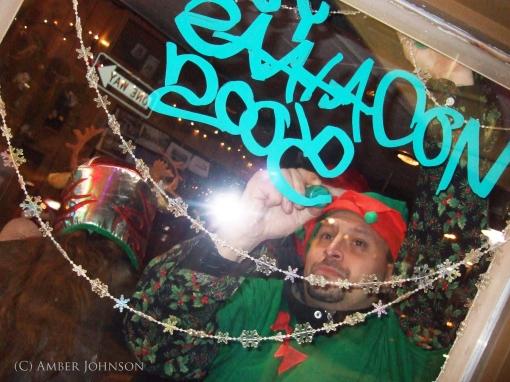 elf decorating